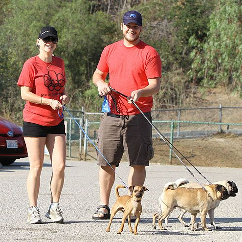 happy people and pets  | ... Happy Day - ANNA FARIS - Stars and Pets, Anna Faris : People.com