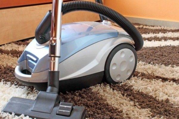 Πώς θα καθαρίσεις την ηλεκτρική σκούπα στο «πι και φι»