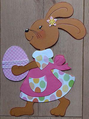 Fensterbild Tonkarton Frühling/Ostern Ein Osterhasen Mädchen mit Osterei