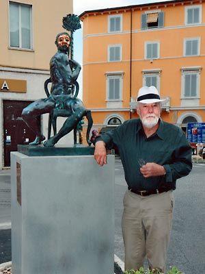 Arlecchino 2011, Piazza Carducci, Pietrasanta, Joseph Sheppard http://musapietrasanta.it/content.php?menu=artisti
