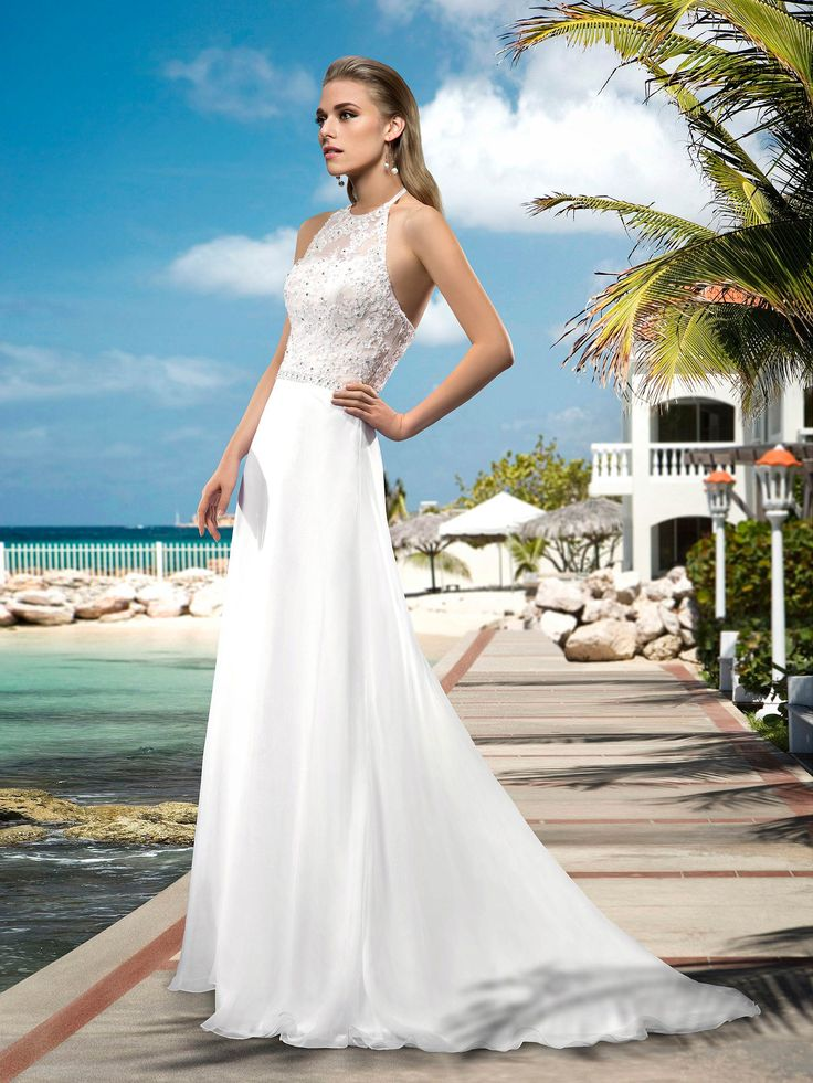Sexy A-line Floor-length Halter Neck Appilques/Beading Wedding Dress