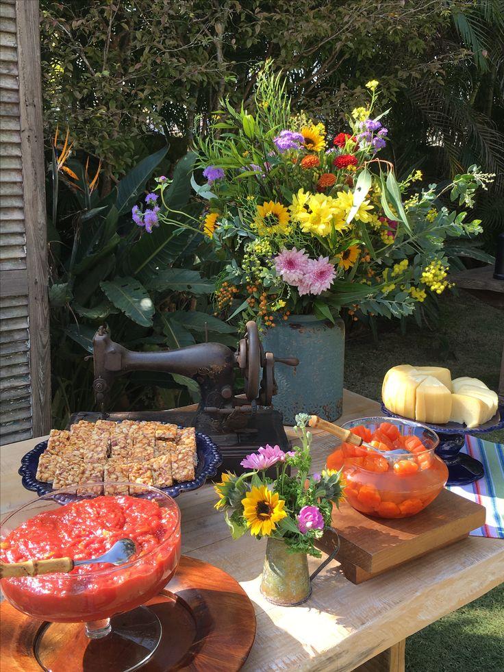 Almoço de Aniversário de 40 Anos.  DECORAÇÃO: Flávia Fonseca Moraes    www.flaviafonsecamoraes.com.br