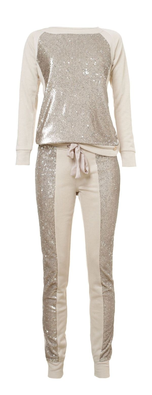 Glamorous joggingpak...probably wouldn't wear as a set but really cute as separates.