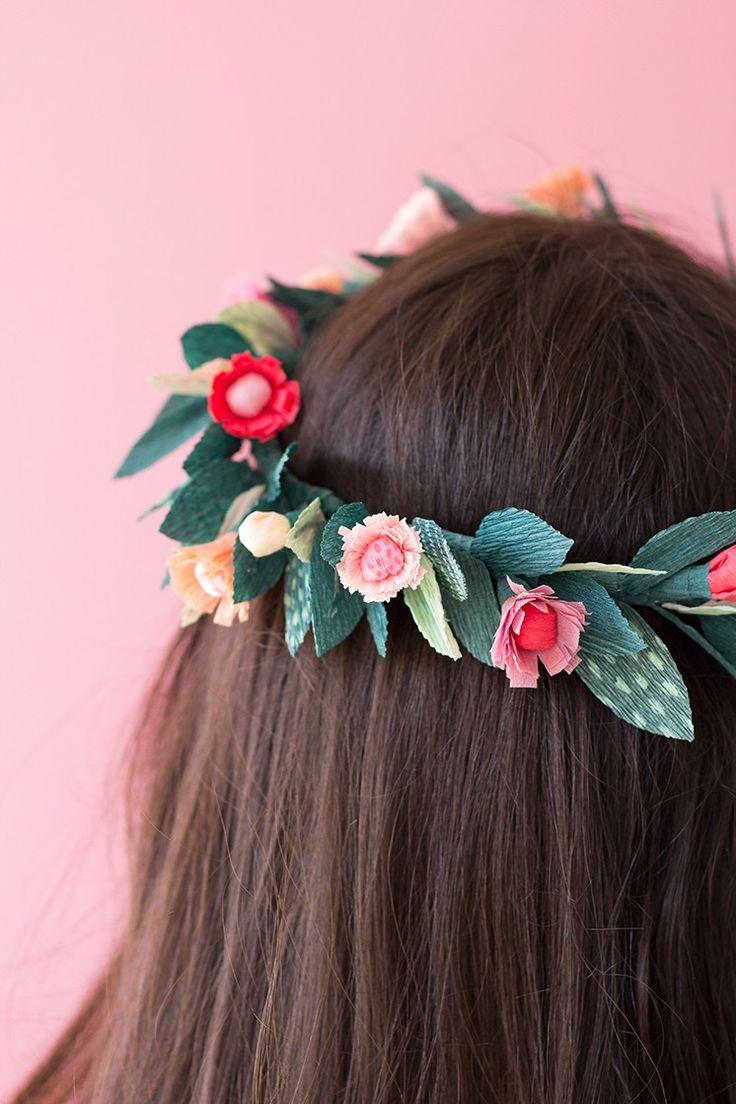 Corona de flores de papel / crown of paper flowers