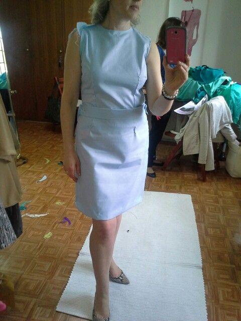 Primeira prova do vestido azul claro.