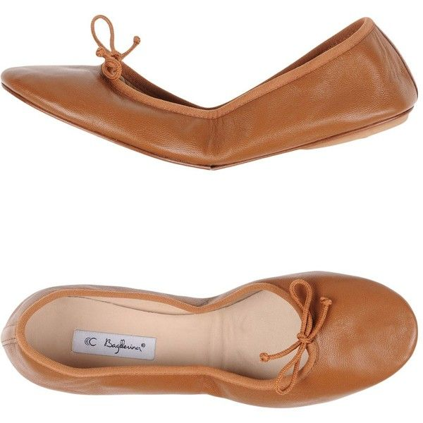Bagllerina Ballet Flats (337.850 COP) ❤ liked on Polyvore featuring shoes, flats, camel, camel ballet flats, ballet pumps, flat shoes, round toe flats and bow ballet flats