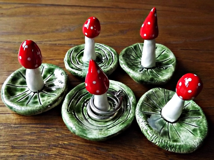 Cute little mushroom ring holders made by Lynsey at Awen Alive. They are individually hand made in ceramic earthenware, hand painted, glazed and fired. £7.00.  You could make something a little like these, in polymer clay and fire them.