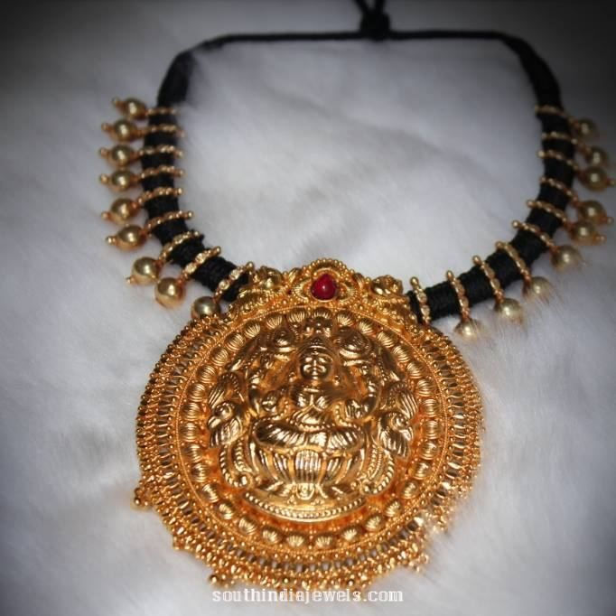 17 best images about black beads on pinterest bead for Simple gold ornaments