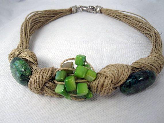 Collar lino natural nudos turquesa verde nudos nacar verde diseño hecho a mano estilo Mediterraneo