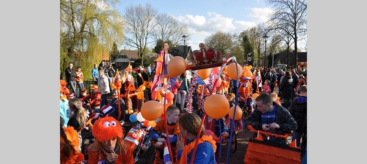 Koninginnedag optocht in Hattem 2013. Thema: 'Hollands Glorie' © Hattemer Oranje Vereniging