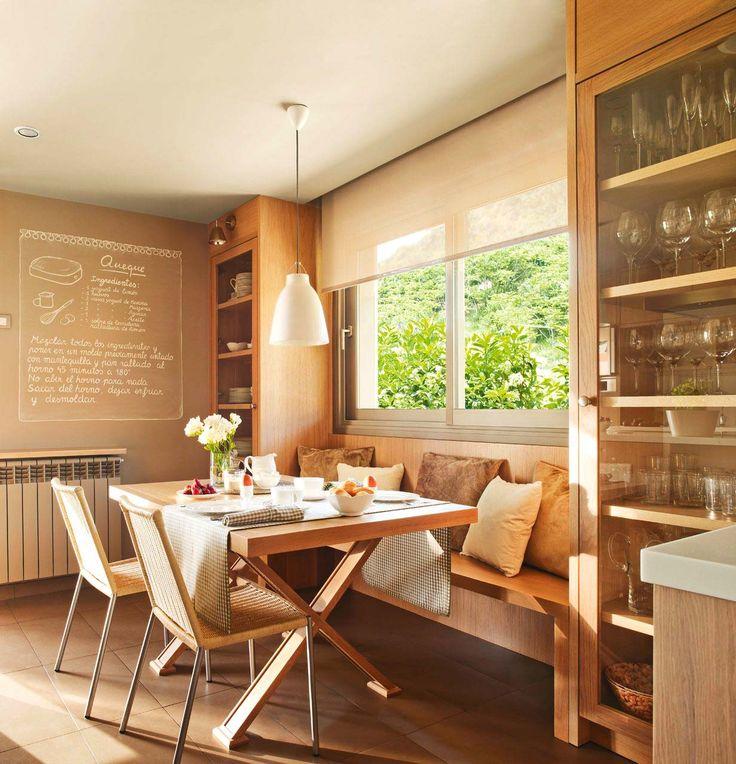 красивый интерьер деревянной кухни