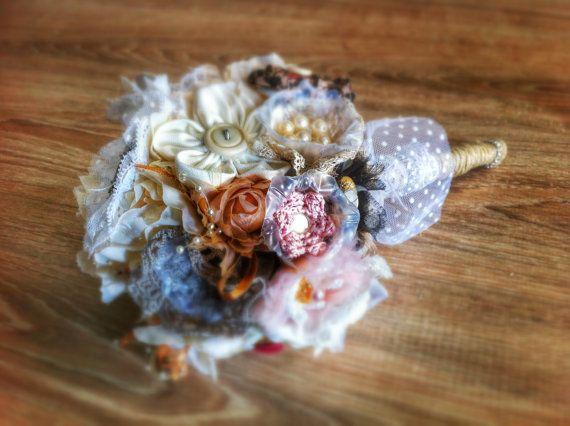 Shabby chic bouquet-romantic bouquet di LeManiDiLinda su Etsy