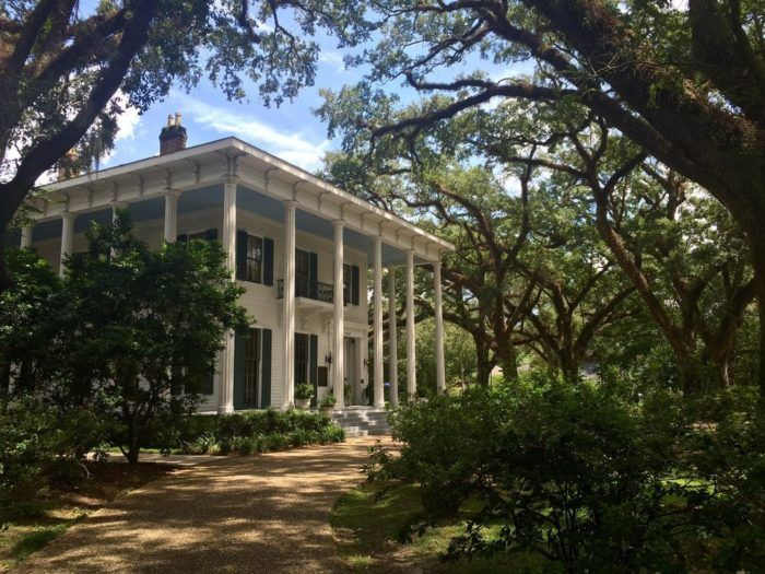 9 Truly Terrifying Ghost Stories That Prove Mobile Is The Most Haunted City In Alabama 2018 Pinterest Places And
