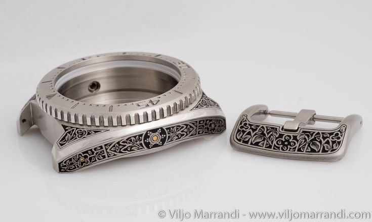 """Permalink to Geckota """"K3"""" watch Gothic themed engraving."""