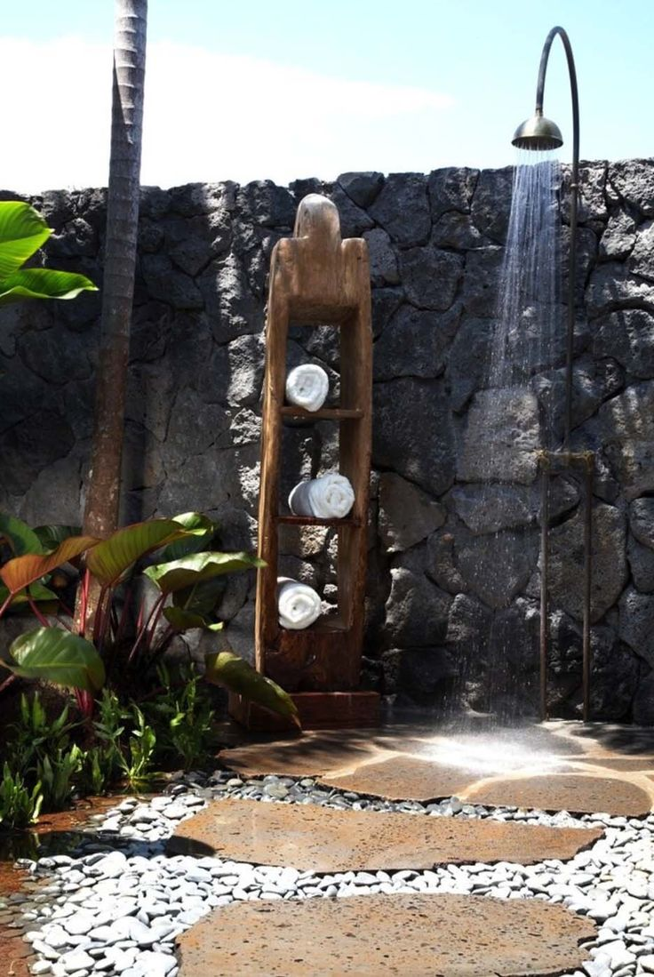 45 Stunning outdoor showers that will leave