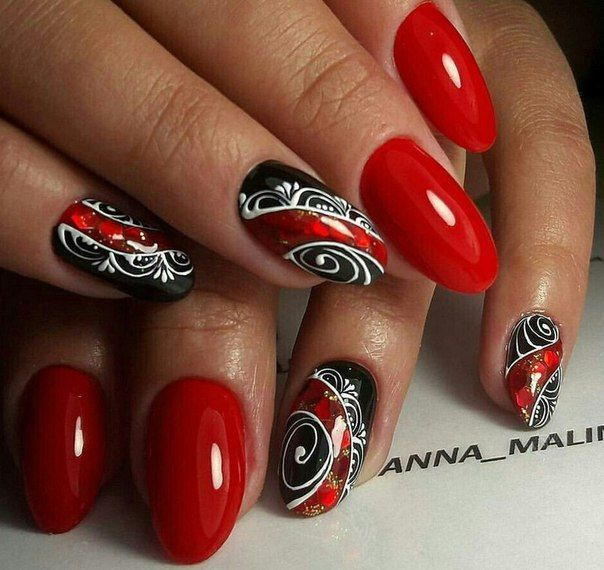 Black dress and red nails salon