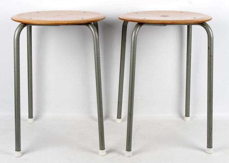 Paret pallar - Industristil - 1900-tal på Tradera.com - Antika möbler |