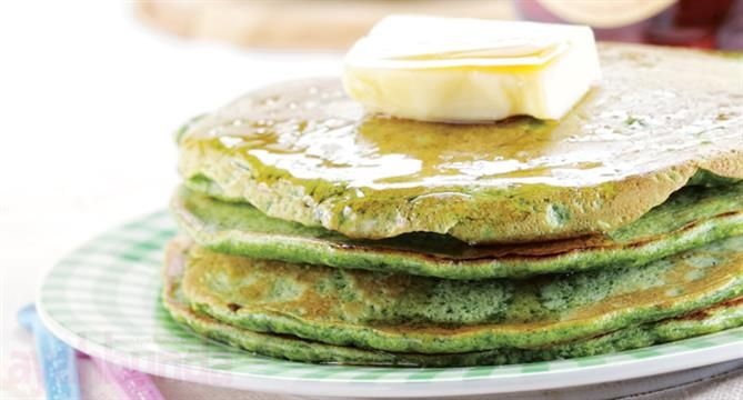Pancake Bayam Ayahbunda.co.id