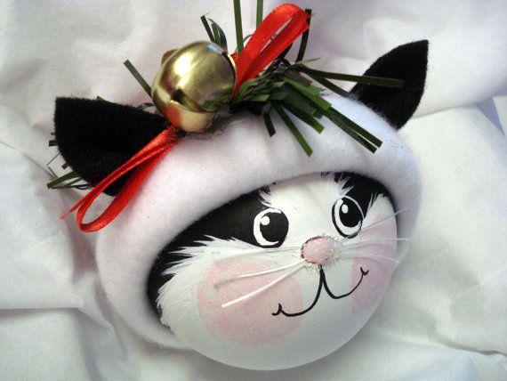 Noir et blanc chat peint ornement de Noël par TownsendCustomGifts