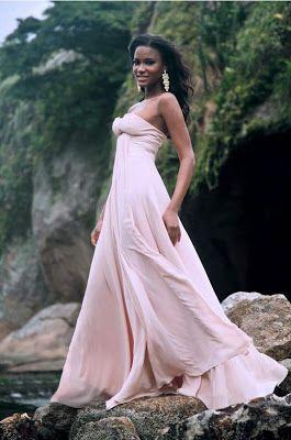 Rheass: Miss Angola Universo 2011, Leila Lopes