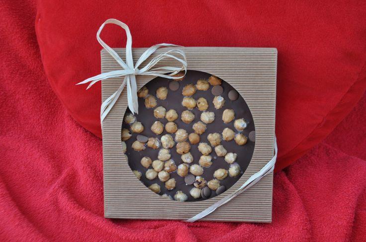 Minicake al cioccolato, personalizzabile con etichetta o logo aziendale. Per #Natale la tua azienda può fare il #regalo più bello: il futuro di un bambino.  #regaliaziendali #regali #doni #natale2014 #christmas #gift #chocolate #cake #chocolatecake #minicake