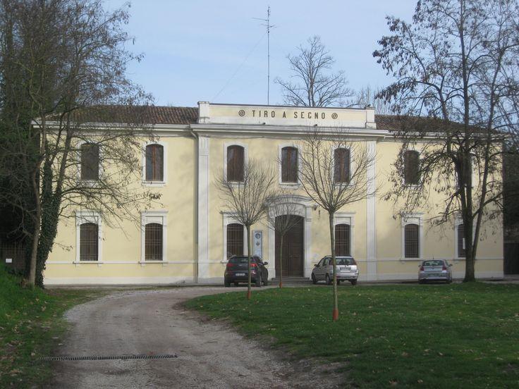 Poligono di Tiro a Segno Nazionale ,  Ferrara , in fondo a corso Ercole I° d'Este.