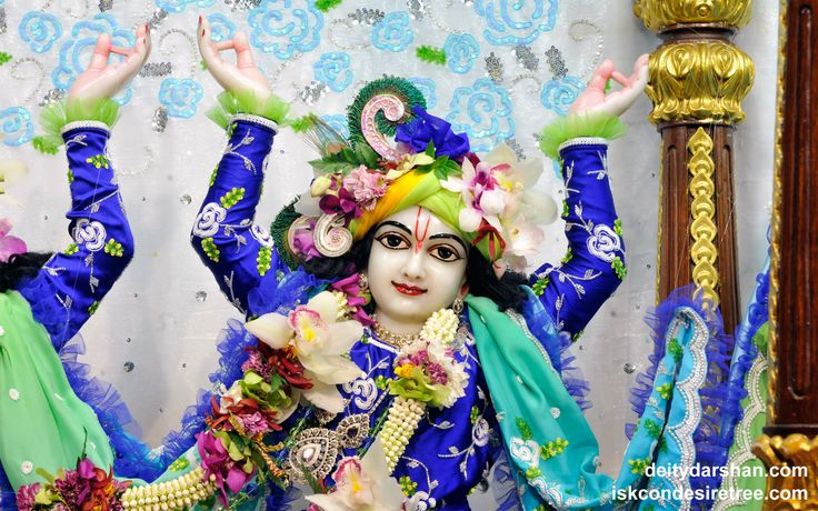 To view Gaurachandra Close Up Wallpaper of ISKCON Chicago in difference sizes visit - http://harekrishnawallpapers.com/sri-gaurachandra-close-up-wallpaper-031/