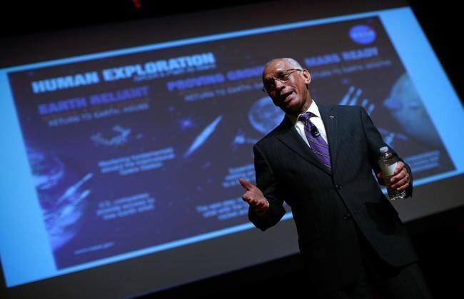"""Charles Bolden, administrador da NASA. Diretor da NASA: """"Missão para Marte é necessária para a sobrevivência humana"""" » OVNI Hoje!"""