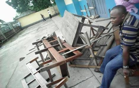 A wave of violent attacks on Catholic churches and property has taken place in DR Congo over the last week. On 18 and 19 February there were incidents at the major seminary of Malole in Kananga, in Central Kasai and St Dominic Parish in Limete, in the capital Kinshasa. During the night between 21 and 22 February, unknown persons vandalized the parish of Santa Maria of Lukalaba, in Eastern Kasai, while another group attempted to loot the parishes of St Robert Kansele and Saint Albert le…