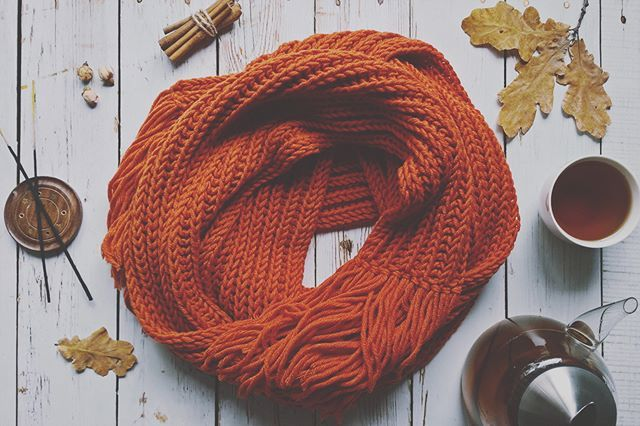 Knitted scarf В ожидании осени  #вязаниеназаказ #scarf #осень #knitting #спицами #вязание #длинныйшарф #шарф #вяжутнетолькобабушки