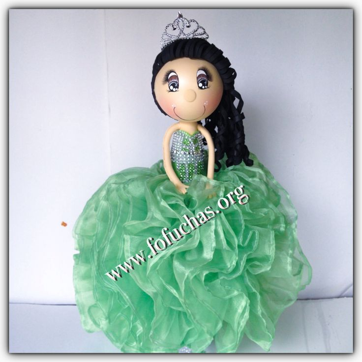 24 inch fofucha doll for a Quinceañera Handmade foam dolls. She can be a perfect centerpiece, caketopper for a quinceanera/ sweet 16 or birthday party  Visit us at www.facebook.com/FofuchasHandMadeDolls #Quinceanera #kidsBirthday #kidscrafts #sweet16party #quinceañera