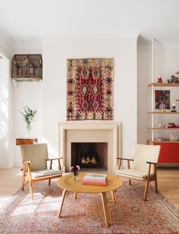 An 1828 Federal Style Townhouse Remodeled With Color And Lots Of Art
