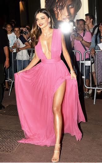 Άκρως αποκαλυπτική, η 32χρονη Αυστραλέζα Miranda Kerr στο Magnum party στις Κάννες με αιθέρια ροζ τουαλέτα Ungaro γεμάτη πτυχές! http://pressmedoll.gr/