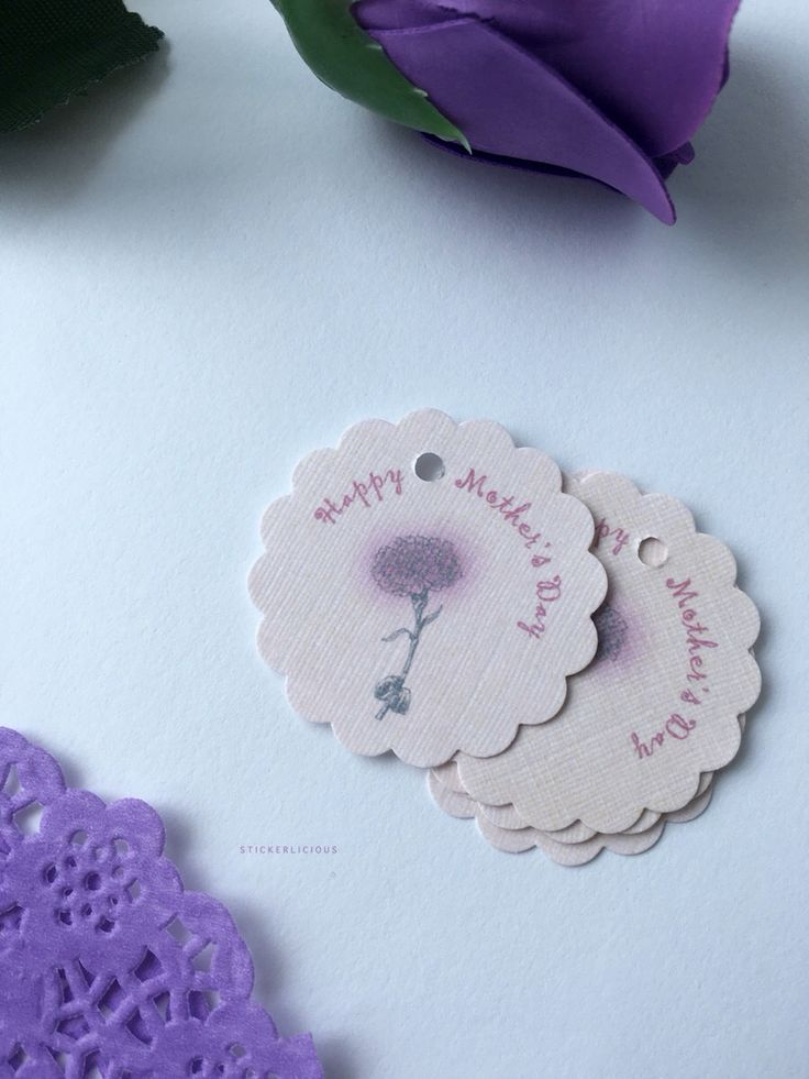 Happy Mother's Day to all the mothers! This year's design is a hand drawn carnation flower with burst of pink on the petals, on linen textured cards. Linen is such a favorite amongst moms, it is a clear choice of cardstock for these gift tags. #mothersdaytag #linentag #flowertag #stickerlicioussg