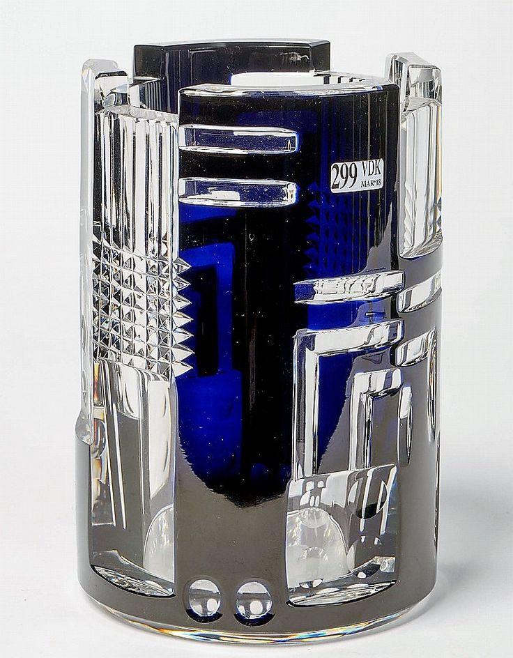 Val St Lambert Vase Cardinal - Design J.Simon - 1930 / 1935. Réédition en cristal clair de 1996.