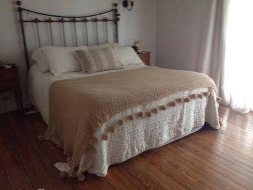 17 mejores ideas sobre mantas tejidas en pinterest for Cubrepies de cama