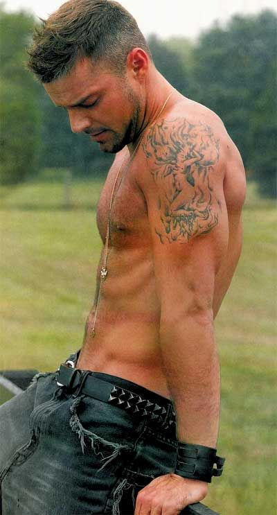 PHOTOS OF THE 40 HOTTEST MEN (GAY MEN Want To See In Their Underwear) in 2012   5.  Ricky Martin  http://www.andrewchristianblog.com/2011/12/photos-of-50-hottest-men-we-want-to-see.html