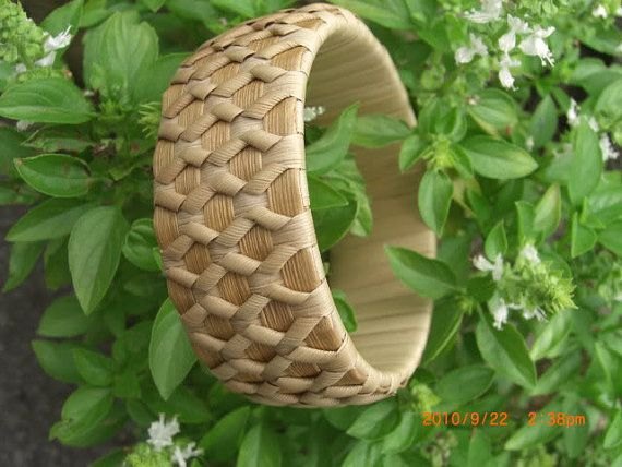 Basket Weaving With Leaves : Hey i found this really awesome etsy listing at https