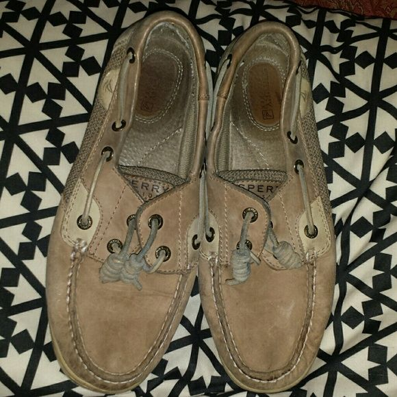 CLEARANCE PRICE FIRM Had these at bottom of tote so they look scrunched but are fine one you wear them. Price reflects condition. Price firm Sperry Top-Sider Shoes Flats & Loafers