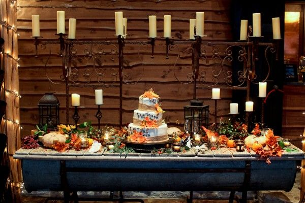 Fall-Wedding-Cake-Display-Idea-600x400.jpg (600×400)