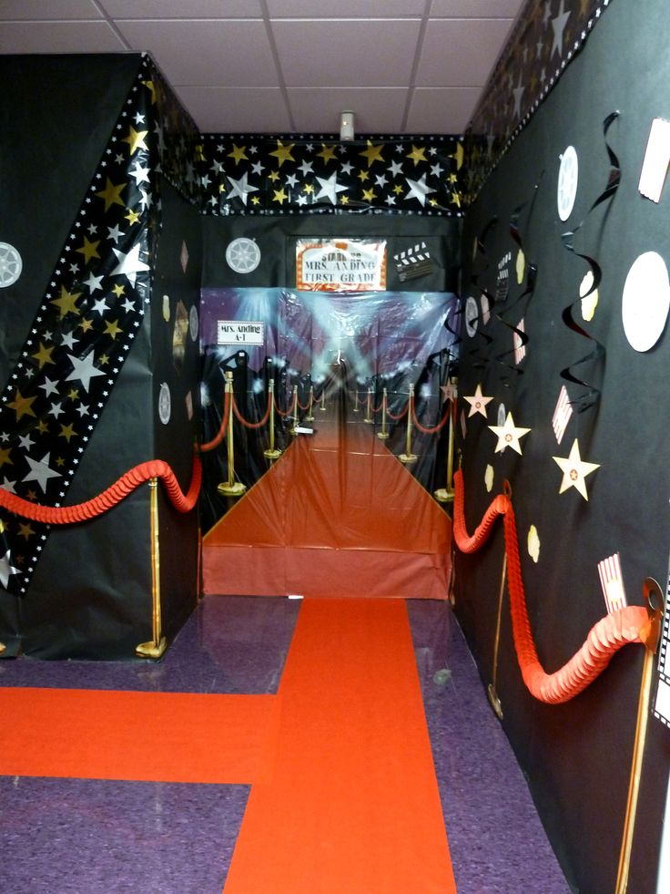 This year our campus went hollywood.  This is my classroom entrance giving my new batch of first graders the red carpet treatment!