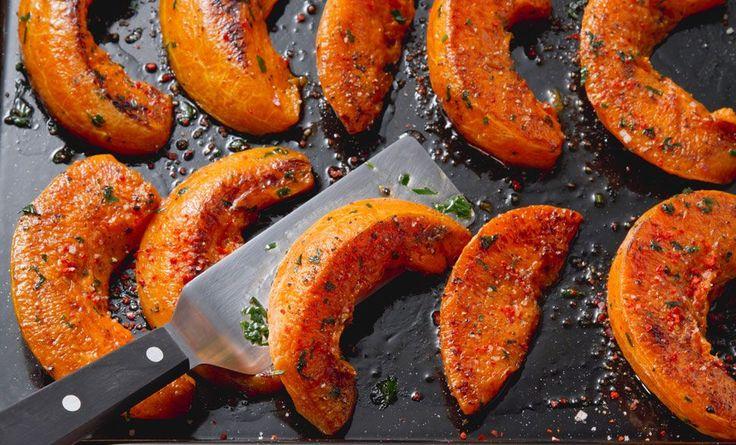 Zucca al forno, la ricetta veloce e gustosa - LEITV