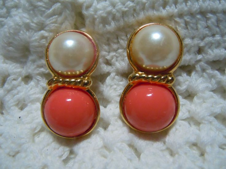 Peach Pink & Pearl Clip On Earrings, Joan Rivers Vintage Jewelry by ReTHINKinIt on Etsy