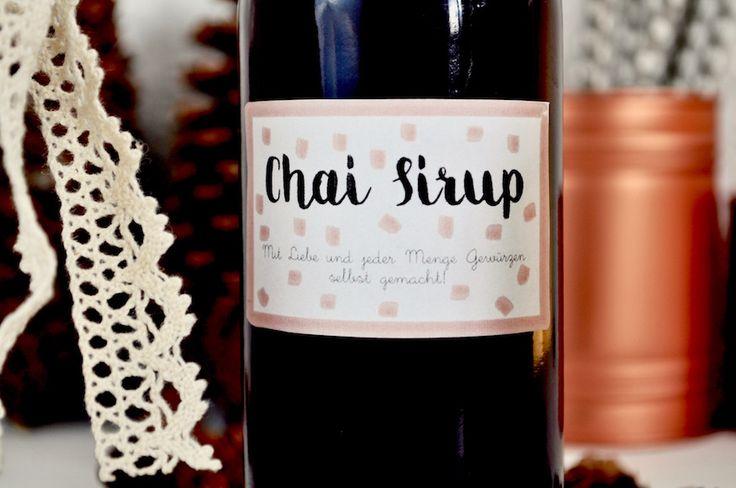 Hier findet ihr ein feines Rezept für Chai Sirup. Der Chai Sirup ist schnell gekocht und schmeckt gerade als weihnachtliches Getränk gut mit heißer Milch.