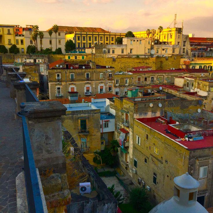 Pietre e colori nel quartiere Avvocata. Foto di.Armando Sichenze