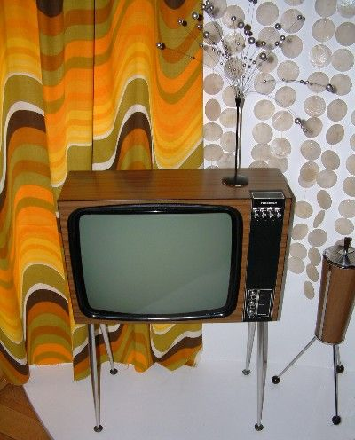 This was just like our first telly, a wedding present from mother and father in law.  We even had the silver bobble fountain on the top too