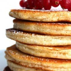 Gesunde Pancakes aus Haferflockenmehl  DasKochrezept.de