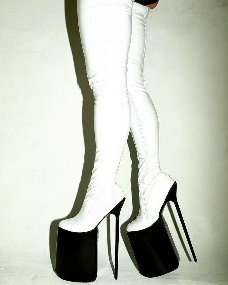 Black&white #latex #12inch #high #heels #highheels #shoes #shoeporn #shoegasm #shoegram #shoestagram #pleaser #pleasure #pleasershoes #aerials #poledance #poleshoes #polelife #poledancenation #boots #black #white