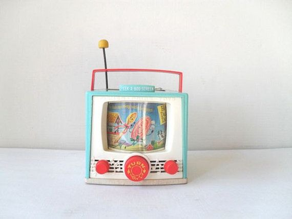 Vintage Fisher Price Toy TV Music Box. Yo tenía una igual : )
