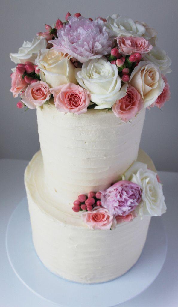 Vintage Bride ~ Cake by Hansel and Gretel [hanselandhanselandgretelcakes.com.au] ~ [vintagebridemag.com.au] ~ #vintagebride #vintagewedding